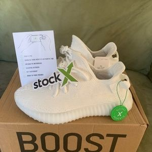 Yeezy Boost 350 V2 Triple White Size 6.5
